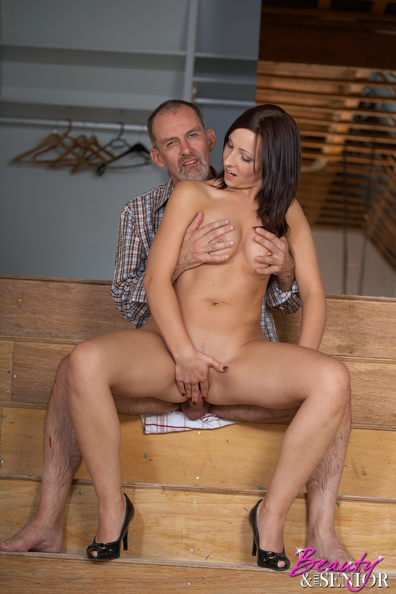 Old senior pleasing a young pussy 7