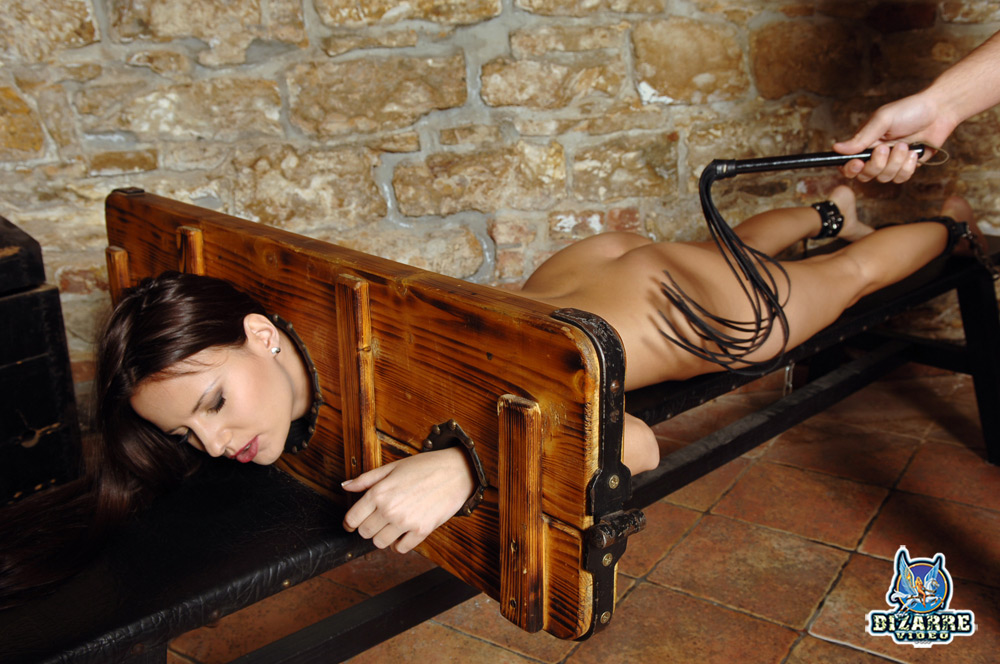 наказание и порка русских проституток