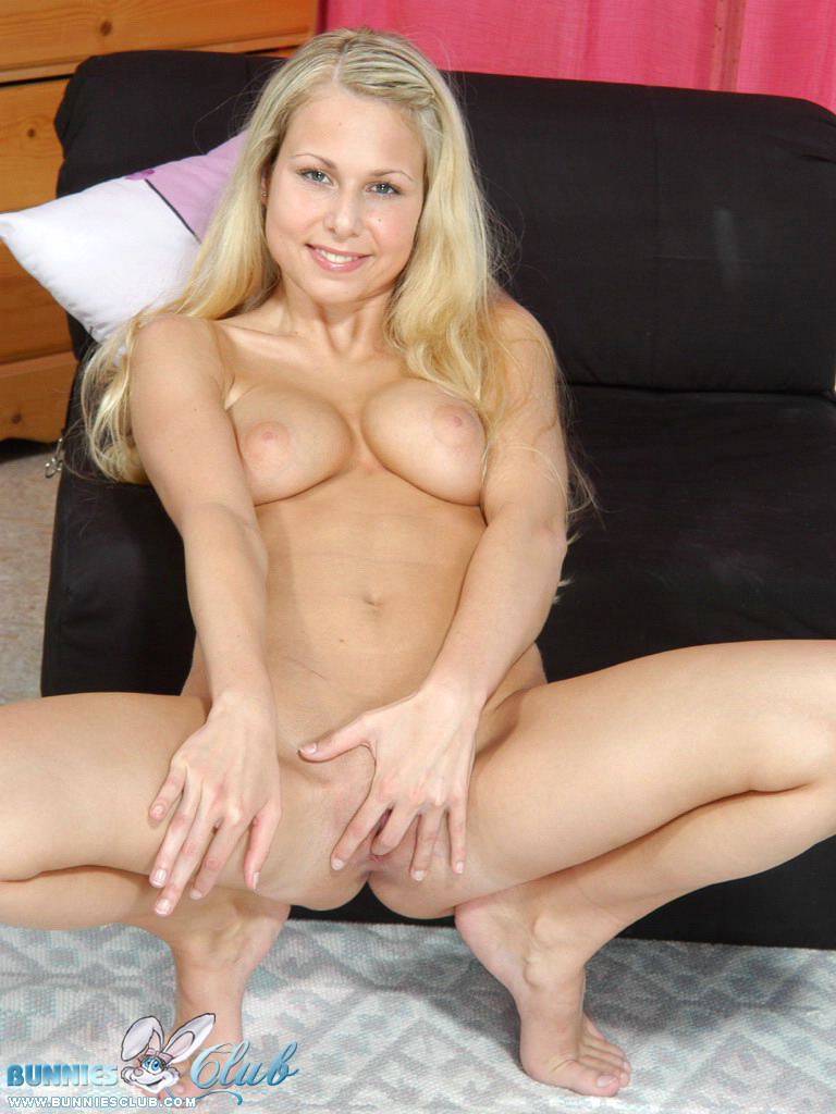 image Cute blonde hottie make out amp fuck
