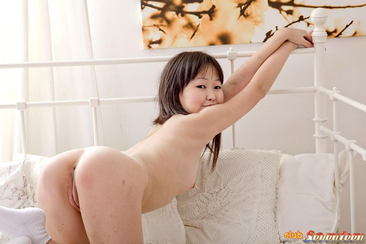 Naked small garls
