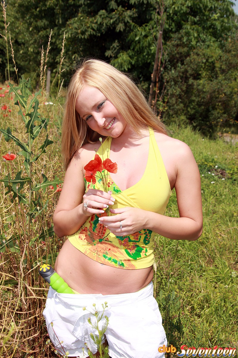 Can recommend Title blonde teen outdoor