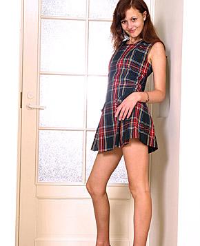 Teen brunette Presents horny