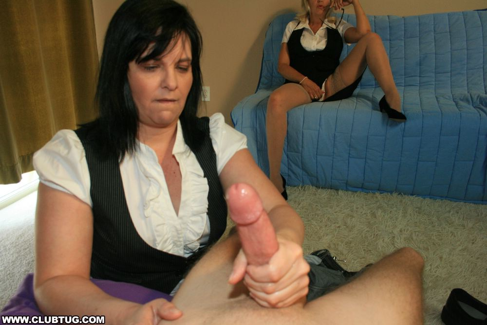 Wife gives handjob in theater