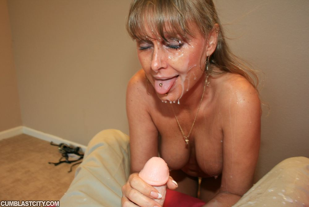 Sexy milf clarisse gets cum between her tits