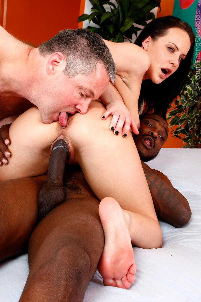 Lesbian Pussy Licking Club