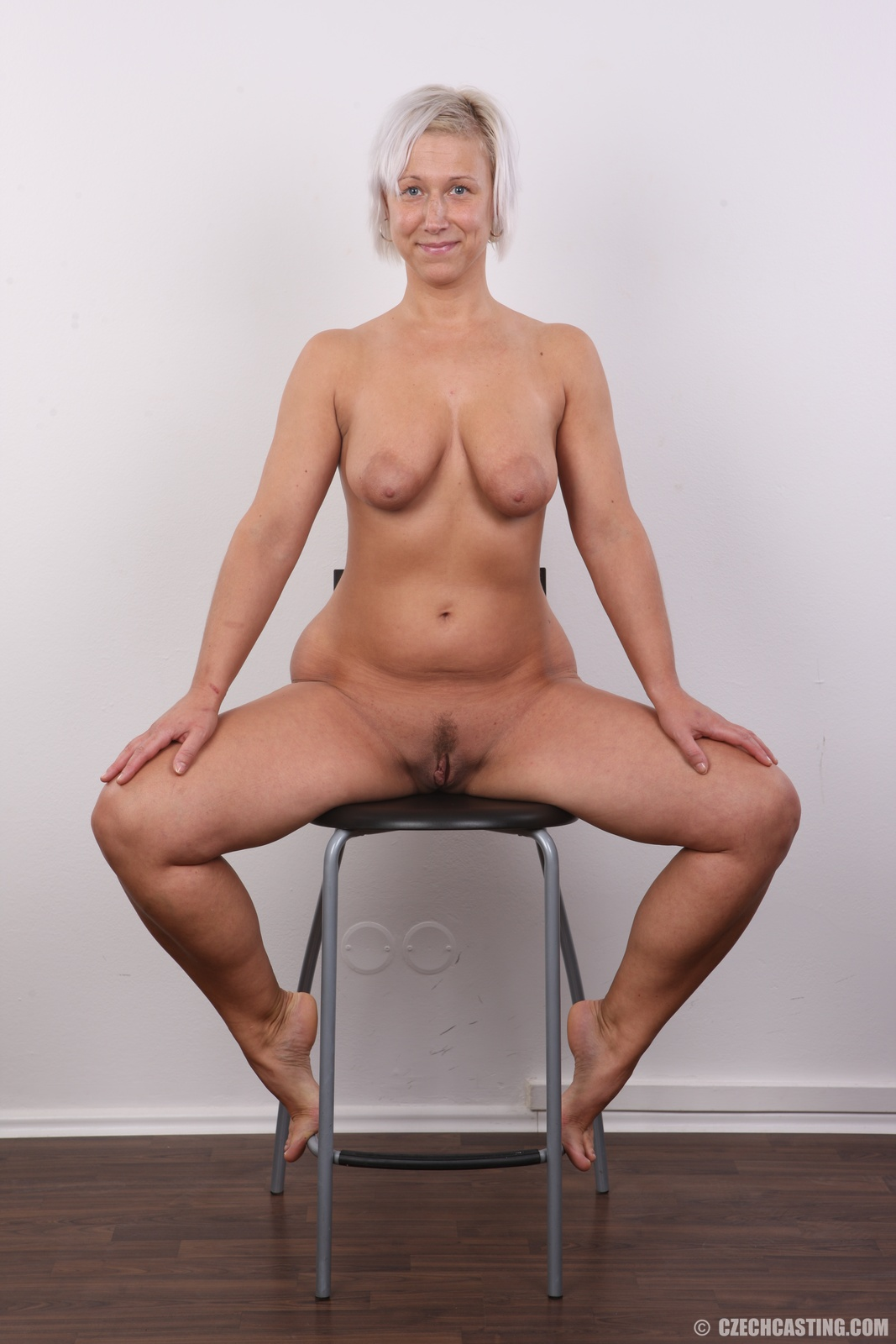 Gogo Naked