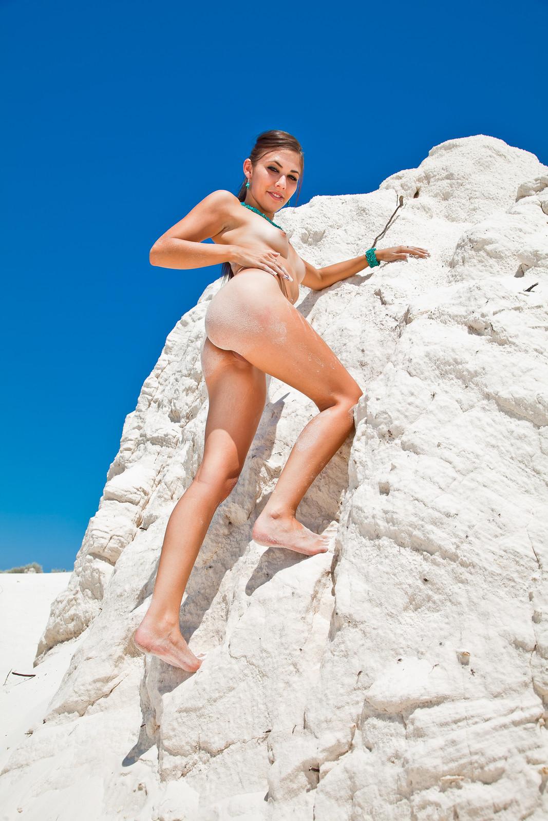 Nude girls tour castle kinds honey
