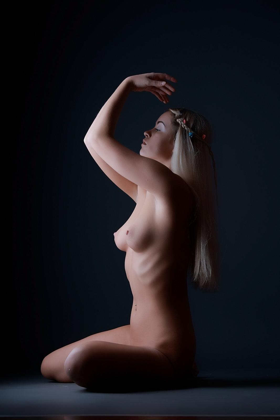 simple adult nude video free