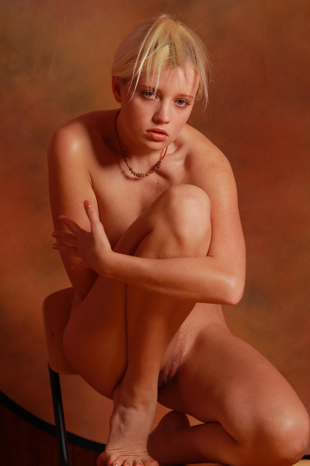 honey sexy girl nude