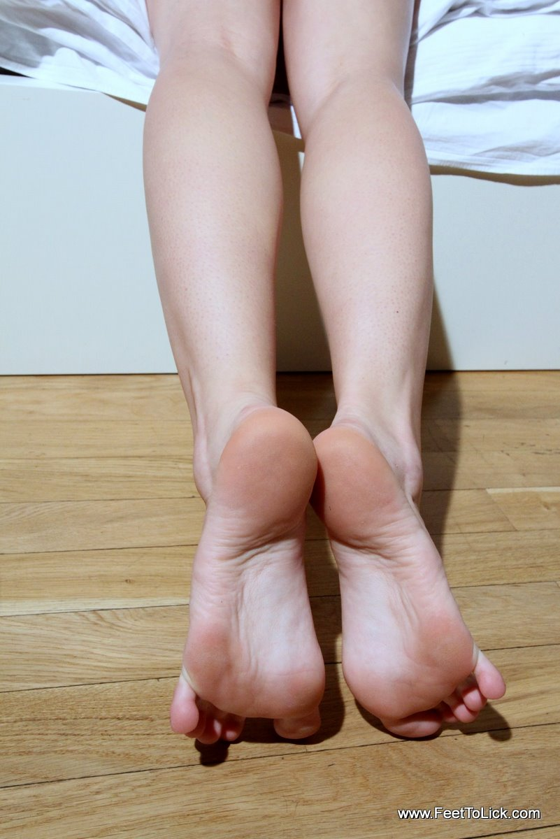 Sock smelling and foot worship 4
