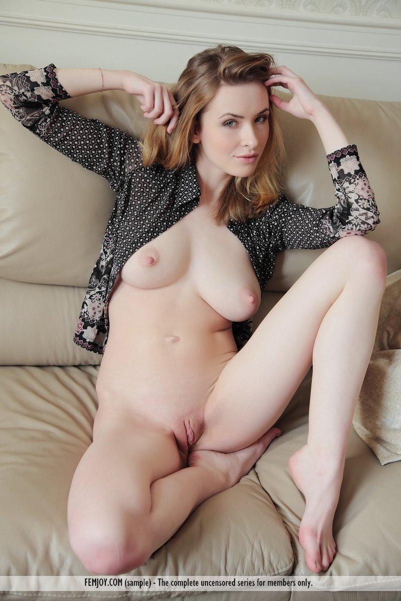porno valley s e hot girl hard nipples