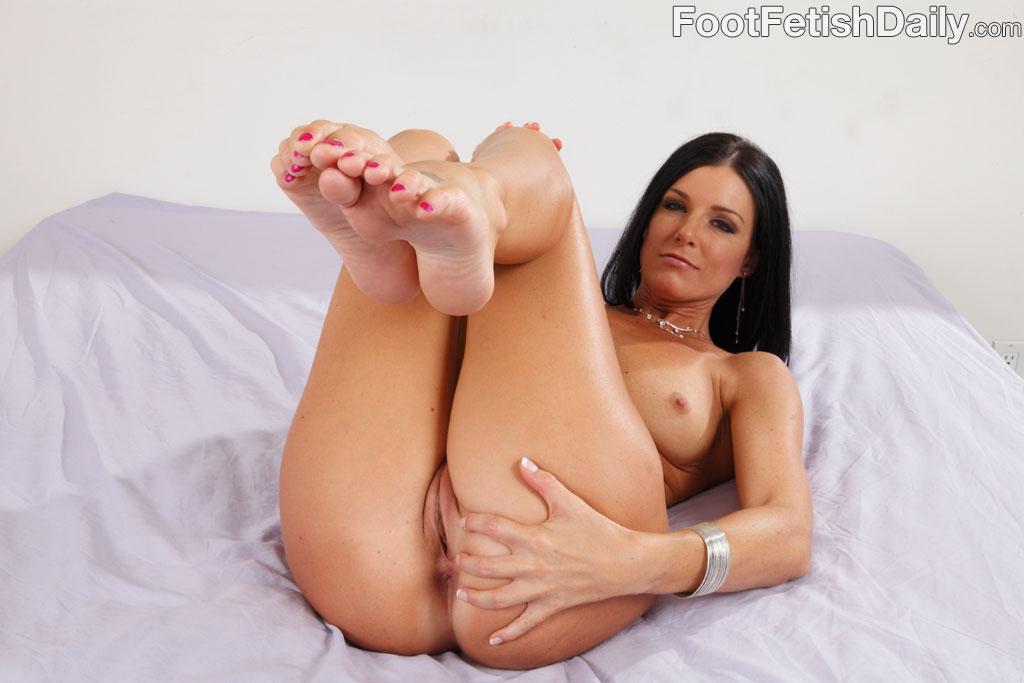 Teri summers foot fetish sex - 3 part 1