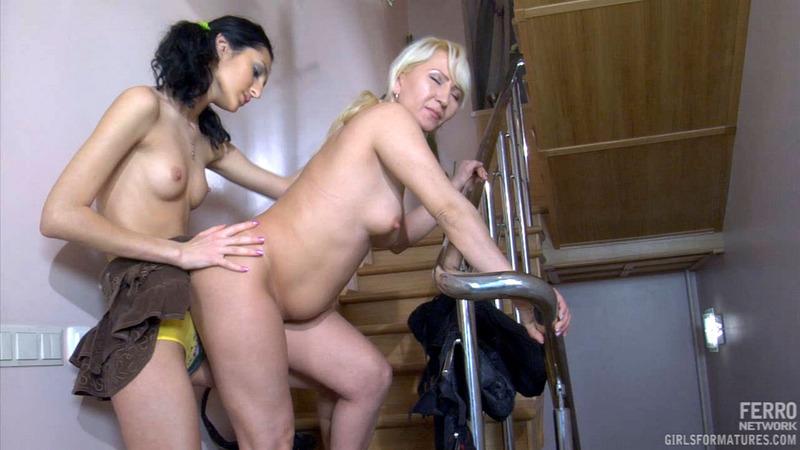 31, Lesbian ottilia cora