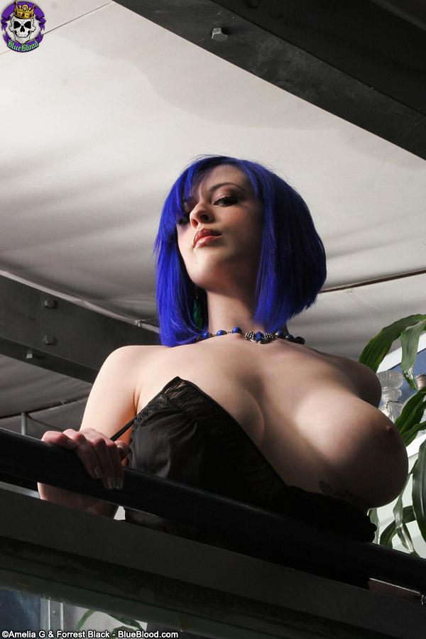 Gothicsluts Larkin Love Larkin Love Shows Her Gothic Side ...