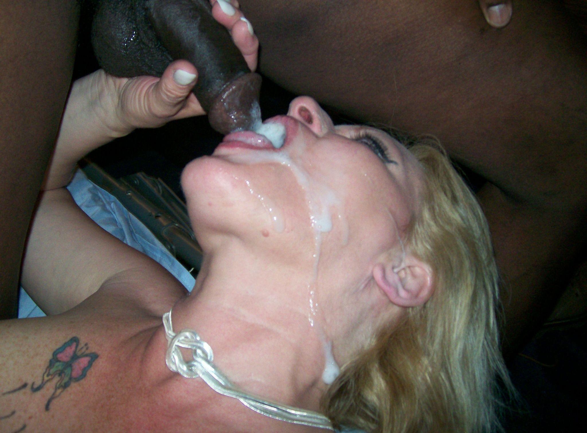 Порно очень жесткая долбёжка в рот