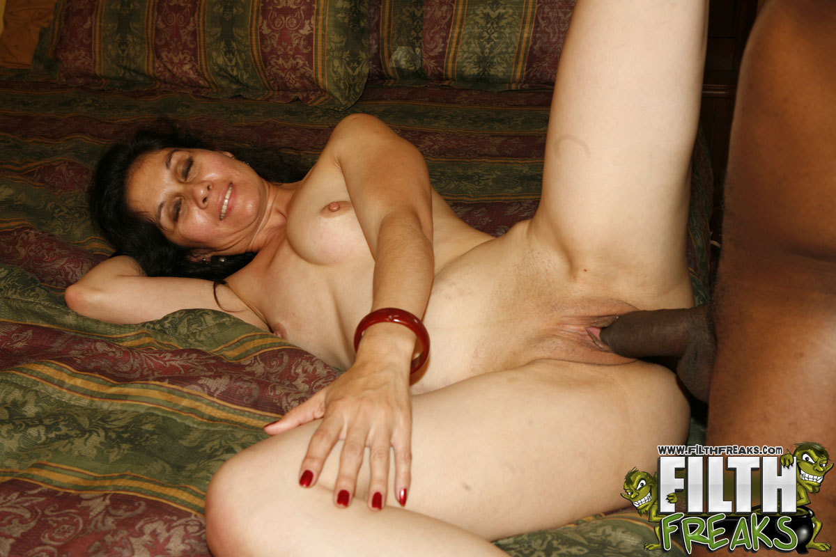 Woman milf masterbating
