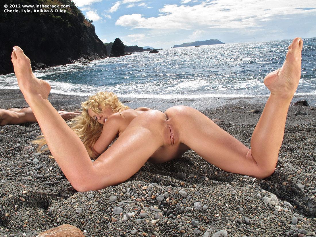 Blonde hot movie pussy
