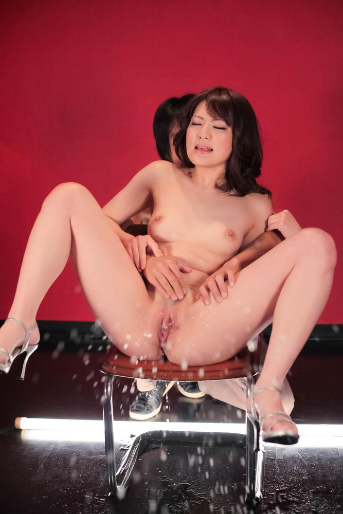 Naked Squirting Japanese Girls