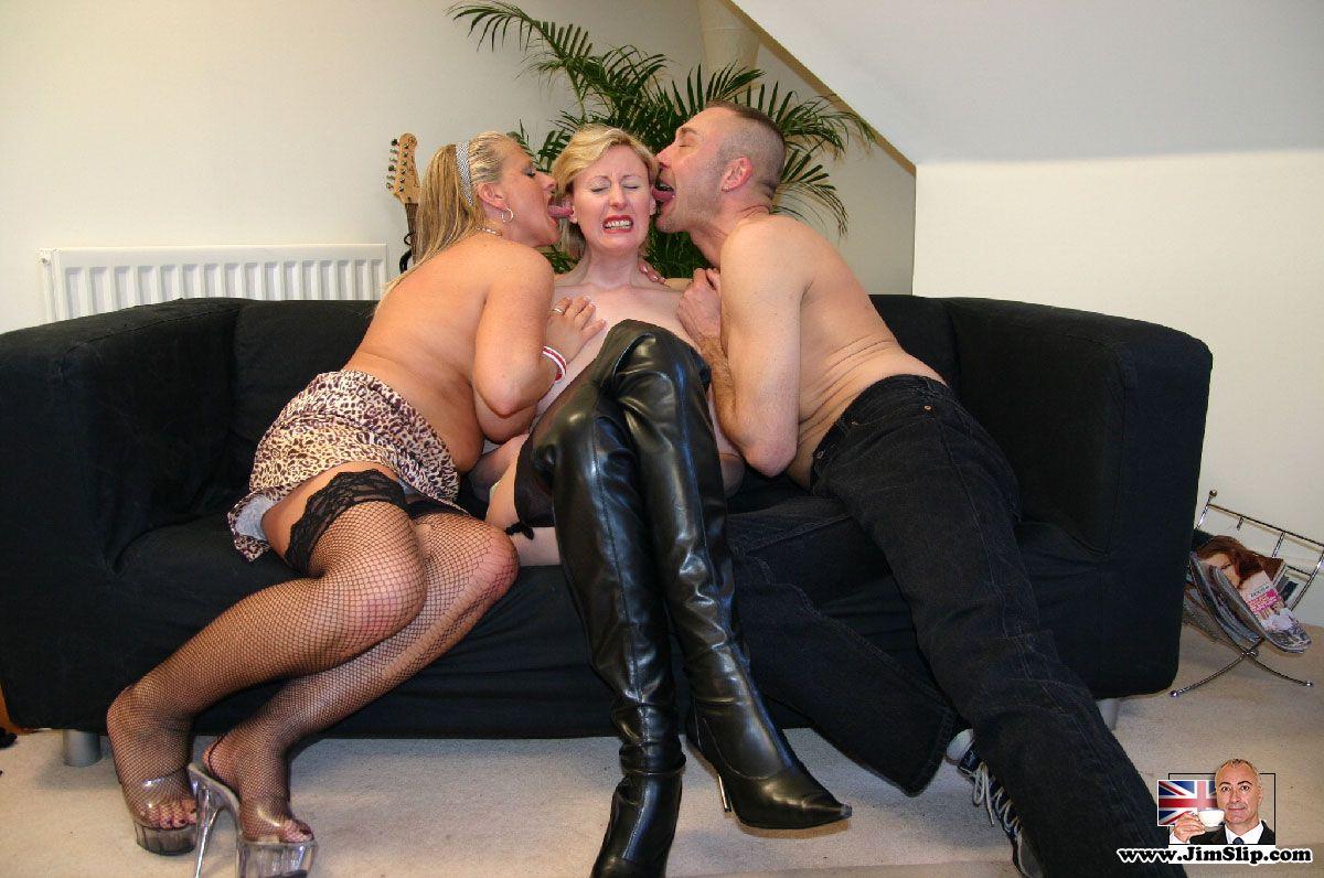 uk threesome video