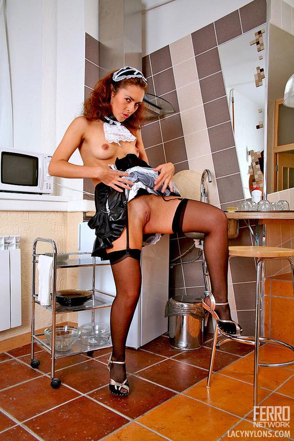 порно как служанка подглядывает за хозяйкой