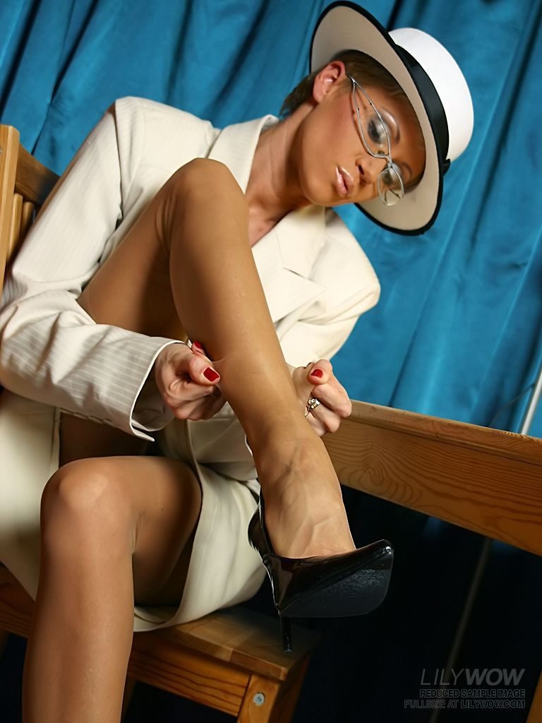 Exclusive Pantyhose Stockings and Sexy Office Girls