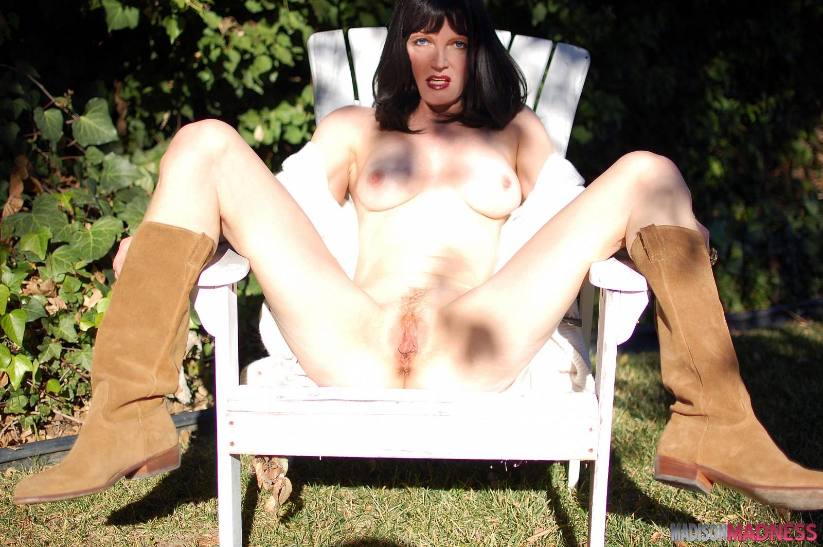 latina nudes young girls