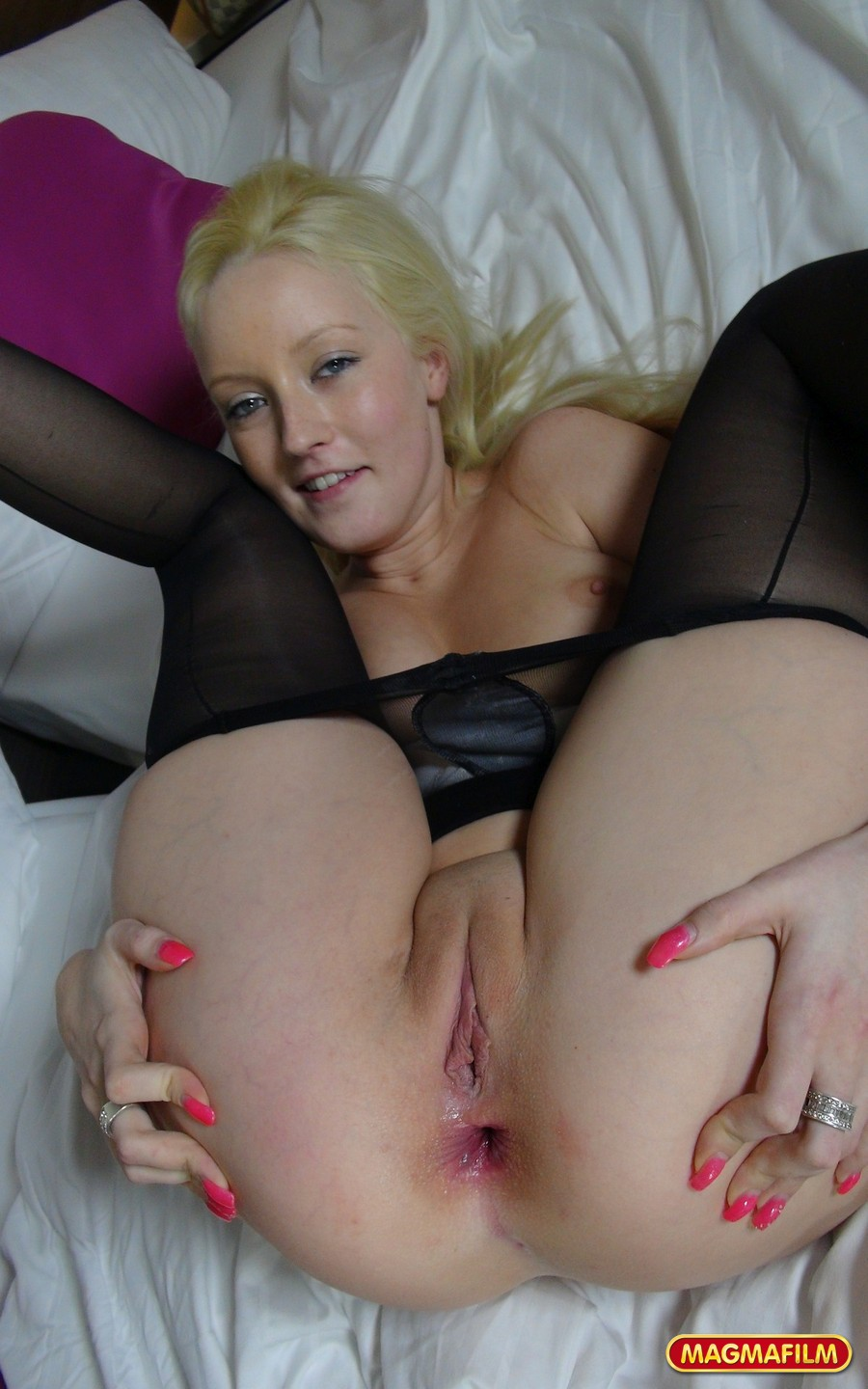 Mature dripping pussy