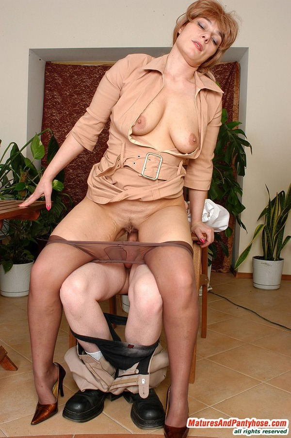 Голые зрелые женщины  фото голых зрелых и обнаженная эротика