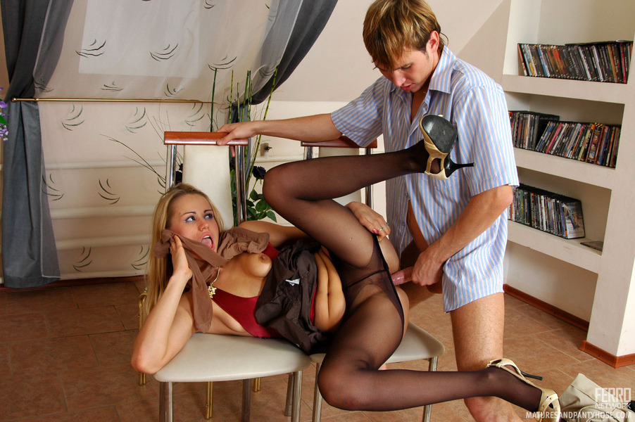 Pantyhose and lesbian porn