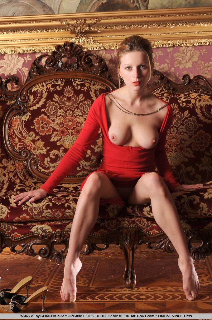Порно фото в красном платье