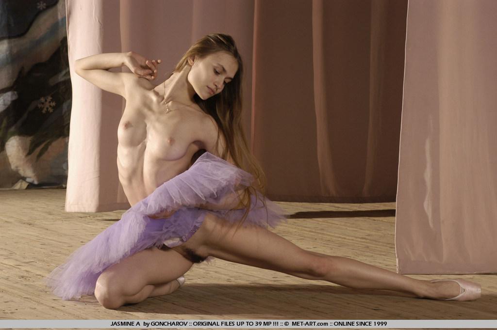 фильм онлайн голые девушки в балете