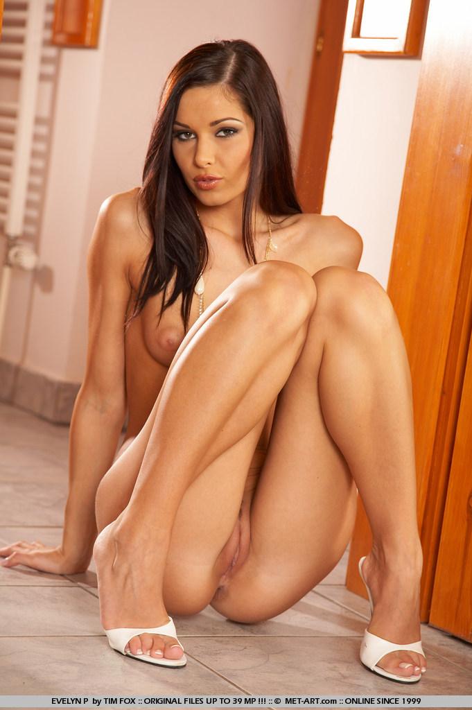 Голые сексапильные женщины фото