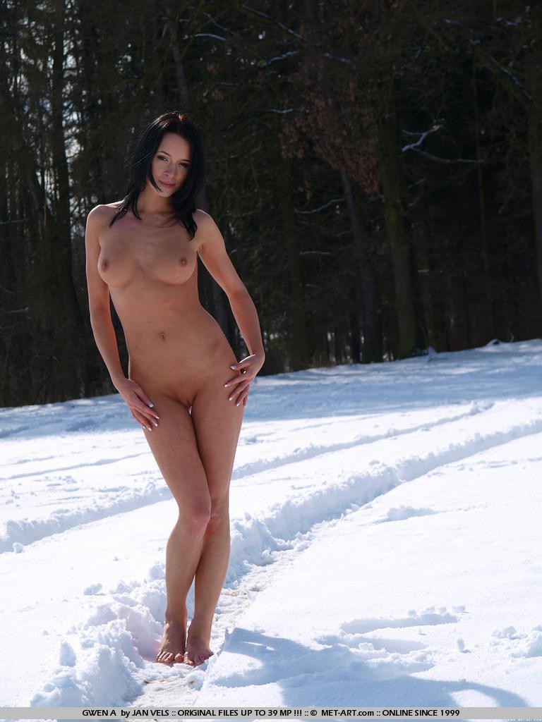 Met art naked snow rather good