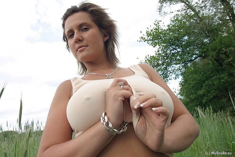 sara colombian women nude