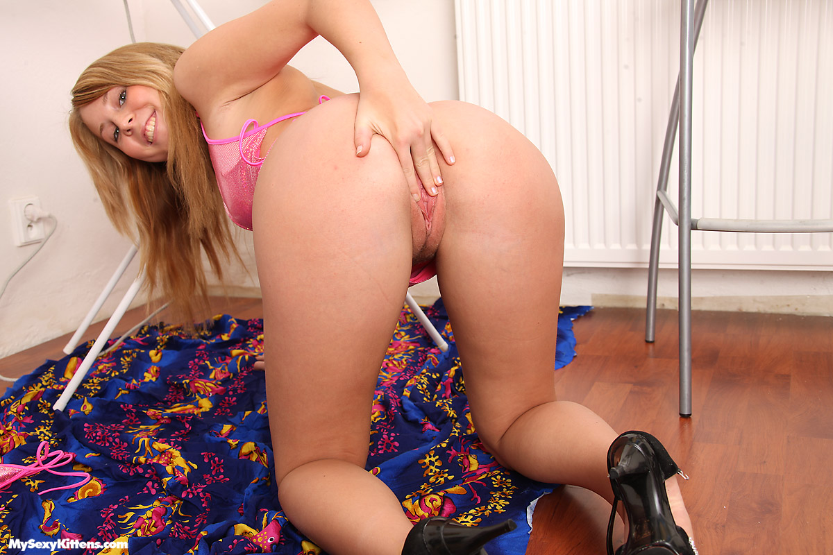 Excellent message Girls licking her thongs variant agree