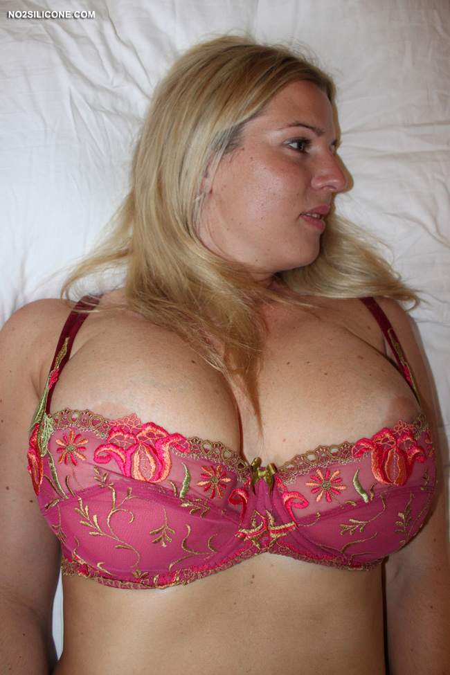 hot milf busty porn pics