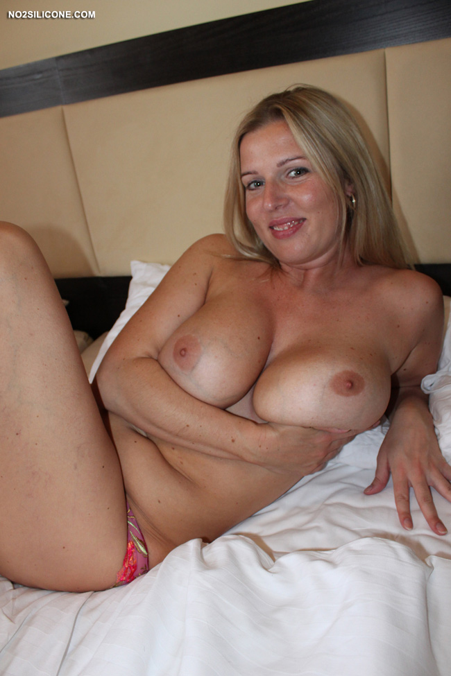 ... Busty Britney Happy Hot Busty MILF Exclusive Content Nude Gallery
