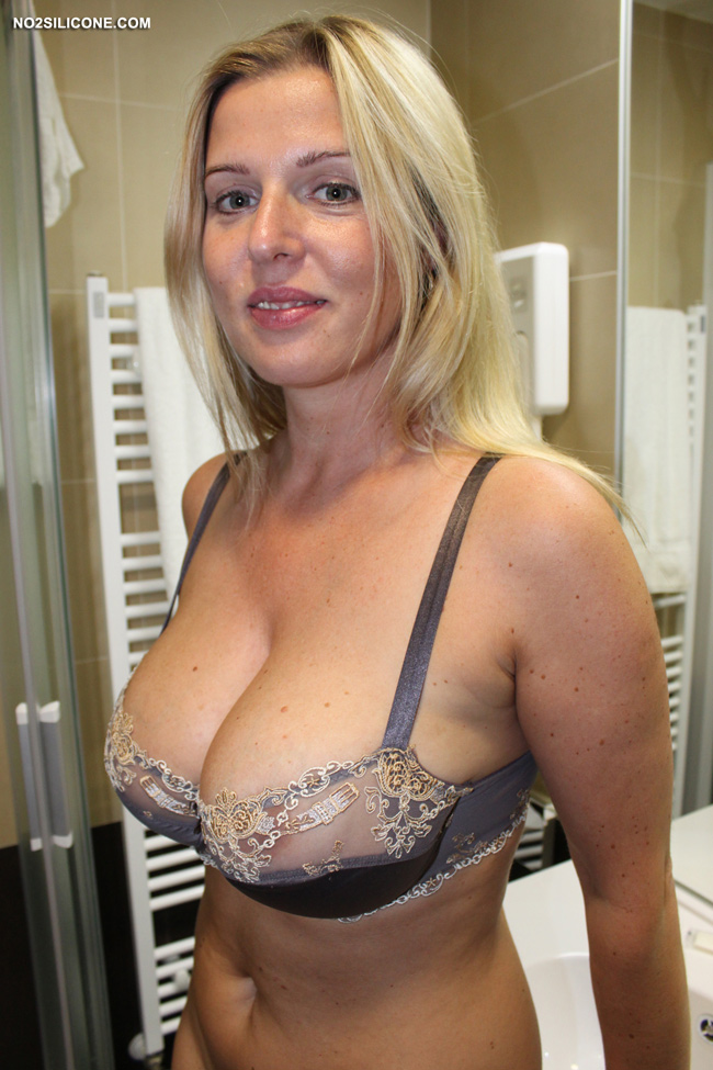 No2silicone Busty Britney Hot Stunning Amateur With Big Boobs ...