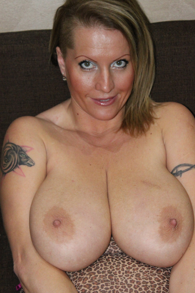 Curvy nude amature milfs. Posted on by Ethan. reserved mature pantyhose  obsession
