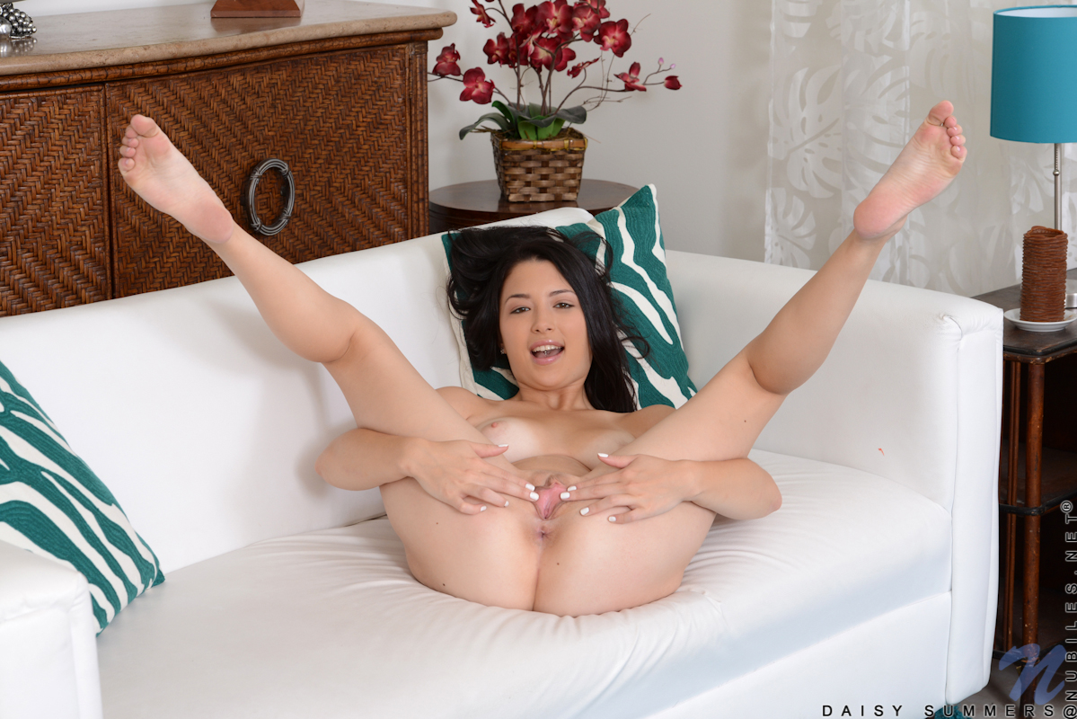 daisy nude nubiles