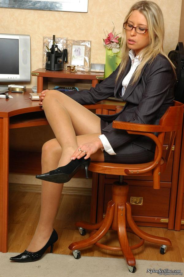 Crosdressers wearing pantyhose