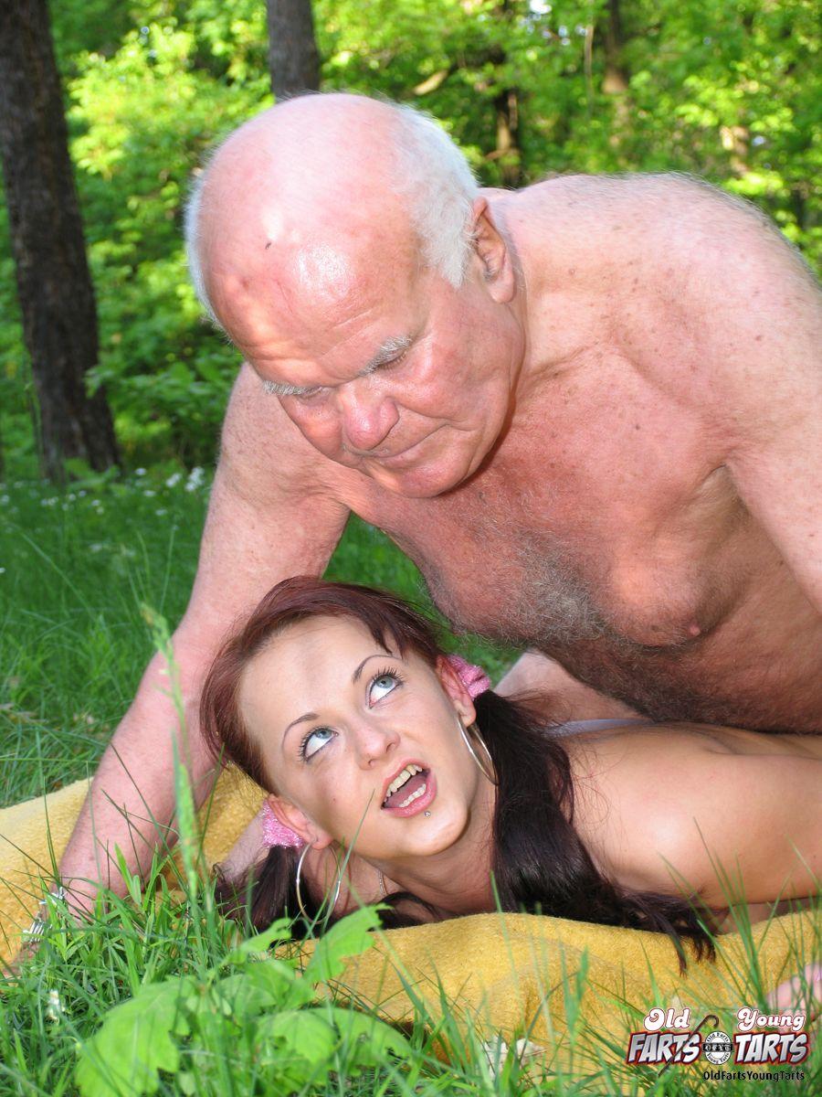 инцест старики и внучки