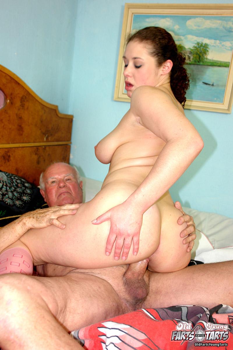 Старушками со о своими стариков порно сексе женами