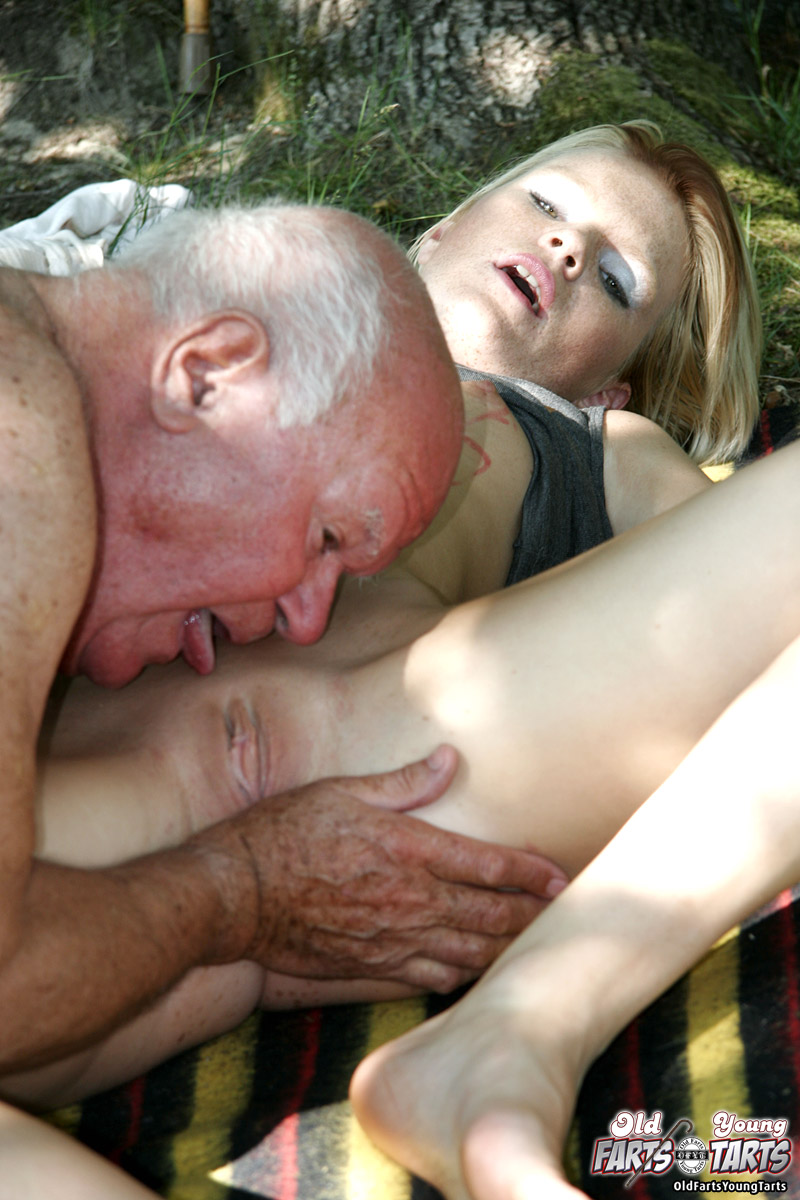 hot sex pic grandpa with girl