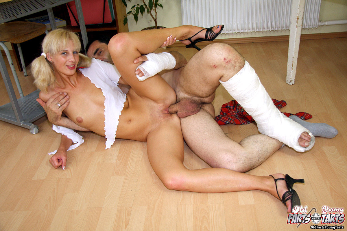 preity zinta hot sexy showing sucking