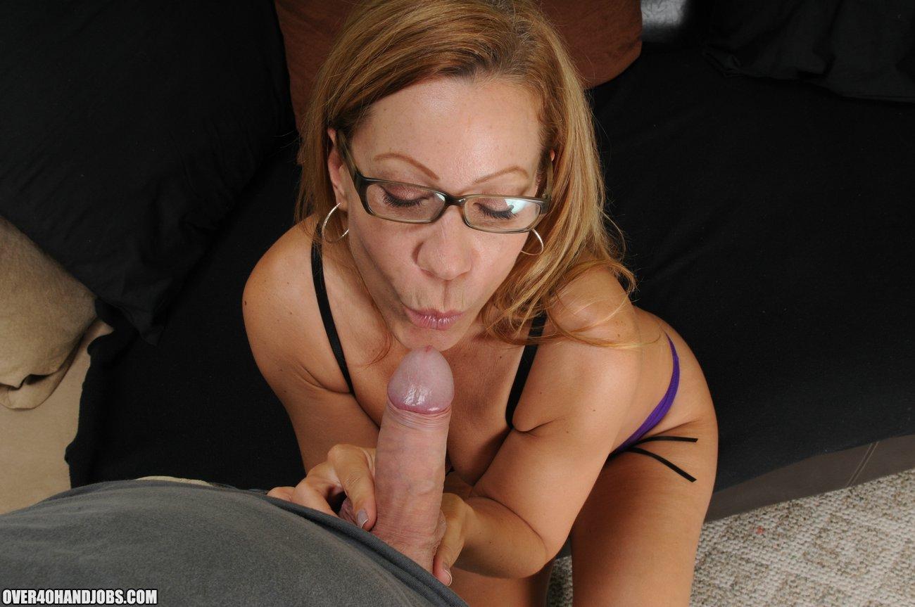 amateur nudist girlfriend gifs