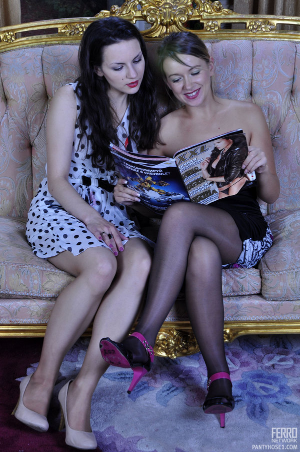 Deluxe girls audrey bitoni and nicole aniston in hot stockings make some playful lesbian action