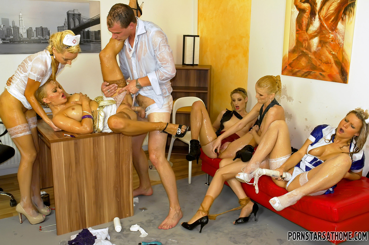 Секс развлечения в монастырях, Монашки:видео. Бесплатное порно HQ Hole 14 фотография