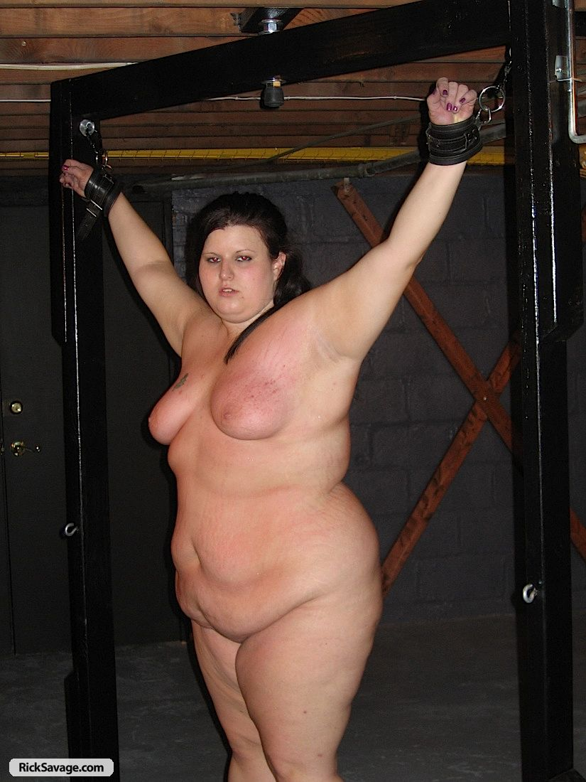 Hot Nude Photos sexy plumpers in bondage