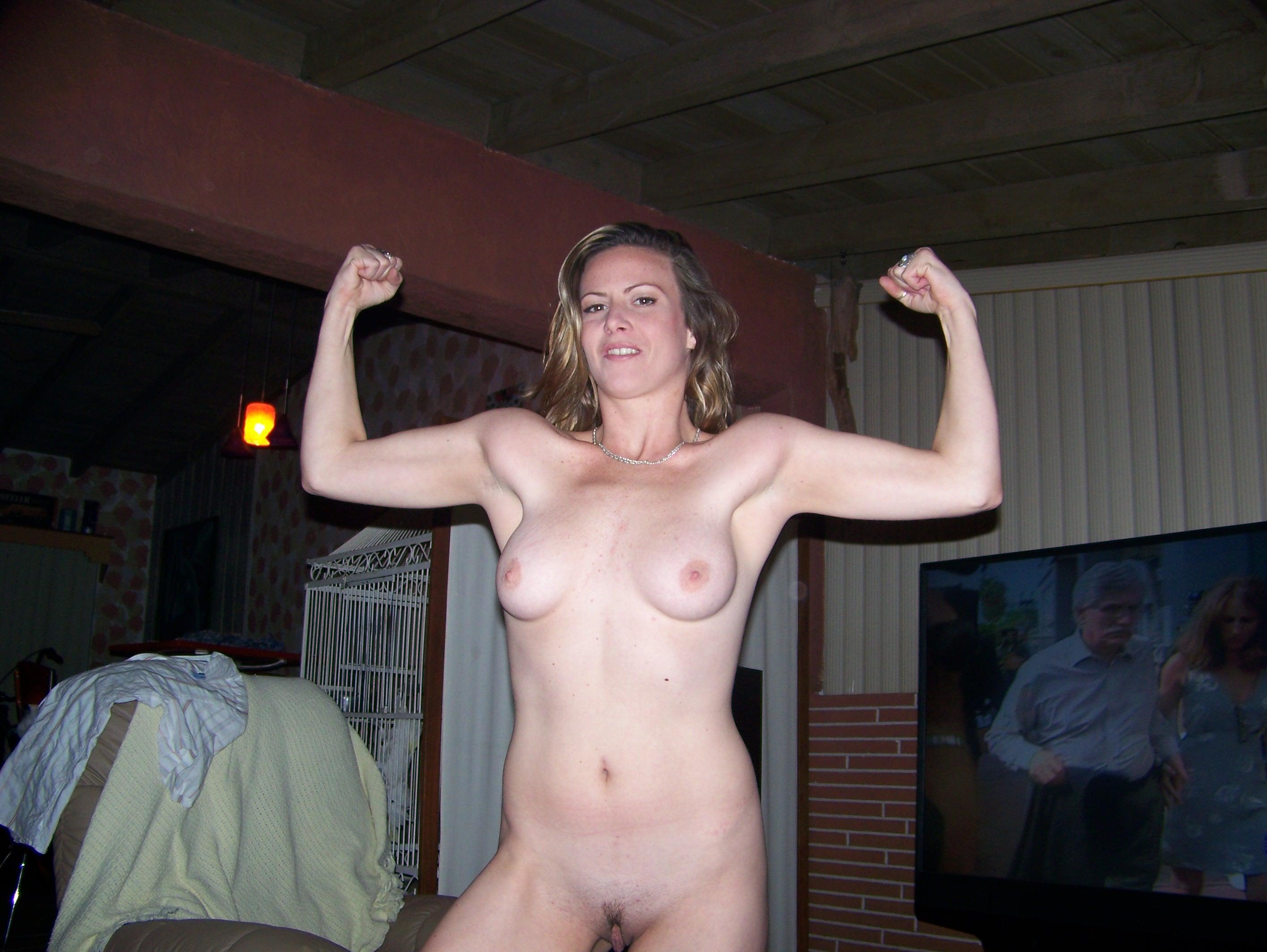 Free amateur wife nude posting